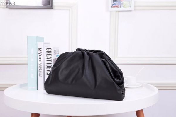 Replica Bottega Veneta 567560 The Pouch Bags Black Butter Calf Leather