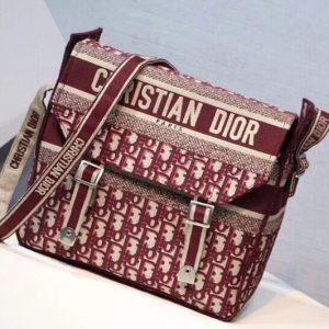 Replica Dior M1291 Oblique Diorcamp Messenger bag in burgundy Dior Oblique embroidered canvas