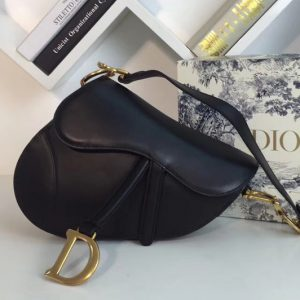 Replica Dior M0446 Saddle bag in Black embossed Grained calfskin Leather