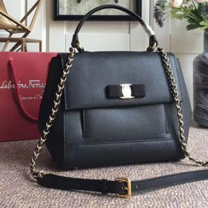 Replica Ferragamo 21F558 Carrie Top Handle Bags In Black Calfskin Leather