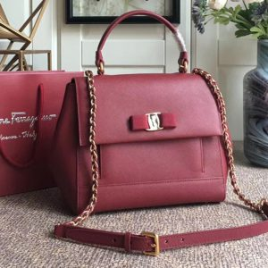 Replica Ferragamo 21F558 Carrie Top Handle Bags In Bordeaux Calfskin Leather