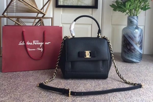 Replica Ferragamo 21F570 Carrie Nero Top Handle Handbags In Black Calfskin Leather