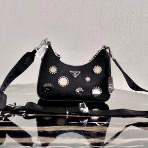 Replica Prada 1BH204 Re-Edition 2005 nylon shoulder bag in Black Nylon
