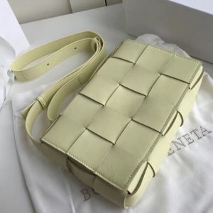 Replica Bottega Veneta 578004 BV Cassette Crossbody bag In Yellow Lambskin Leather