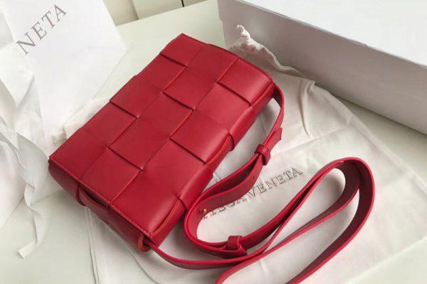 Replica Bottega Veneta 578004 BV Cassette Crossbody bag In Red Lambskin Leather