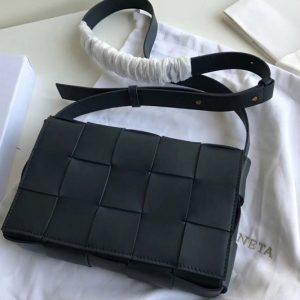 Replica Bottega Veneta 578004 BV Cassette Crossbody bag In Navy Blue Lambskin Leather