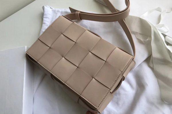 Replica Bottega Veneta 578004 BV Cassette Crossbody bag In Light Pink Lambskin Leather