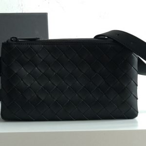 Replica Bottega Veneta 609692 BV Mini messenger bag In Black classic woven nappa leather