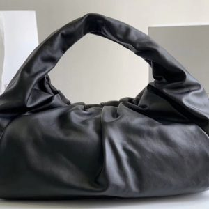 Replica Bottega Veneta 610524 The shoulder Pouch bag in Black Calfskin Leather