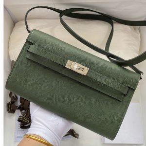 Replica Hermes Kelly Classique To Go Woc Wallet In Green Epsom Leather With Silver Buckle