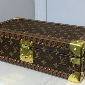 Replica Louis Vuitton M20039 LV 8 watch case in Monogram canvas