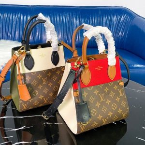 Replica Louis Vuitton M45389 LV Fold Tote PM tote bag in Monogram Canvas and calfskin leather