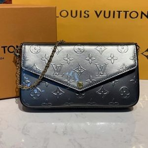 Replica Louis Vuitton M68648 LV Felicie Pochette Bags Monogram Vernis patent calf leather