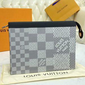 Replica Louis Vuitton N60443 LV Pochette Voyage in Antarctica silver Damier Graphite 3D coated canvas