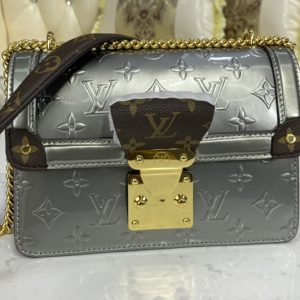Replica Louis Vuitton M90445 LV Wynwood Chain bag in Embossed Monogram Vernis patent cowhide