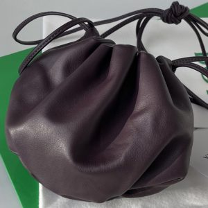 Replica Bottega Veneta 651905 Mini Bulb shoulder bag in Fondant Nappa leather
