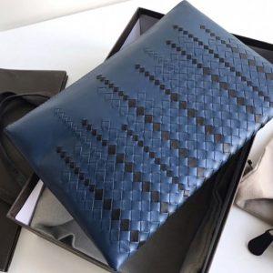 Replica Bottega Veneta 522453 versatile pouch IN Blue Intrecciato Checker