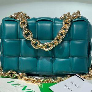 Replica Bottega Veneta 631421 The Chain Cassette bag in Mallard Intrecciato Nappa leather With Gold Chain